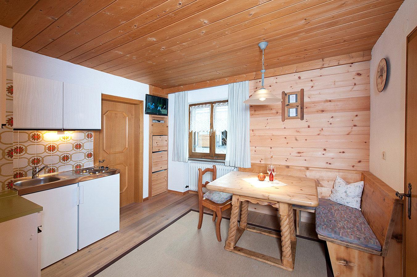Apartments - Ferienhaus Toni in Ladis
