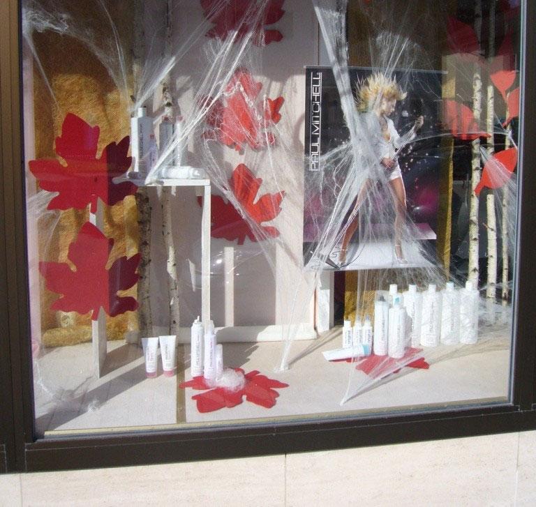 Schaufensterdekoration dekogestaltung mit ideen tanja h rer for Schaufensterdekoration ideen