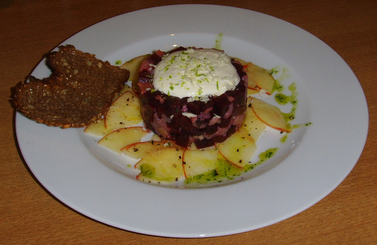 Forellenfilet Apfel Tatar Mit Rote Bete Meerrettich Christagrafs
