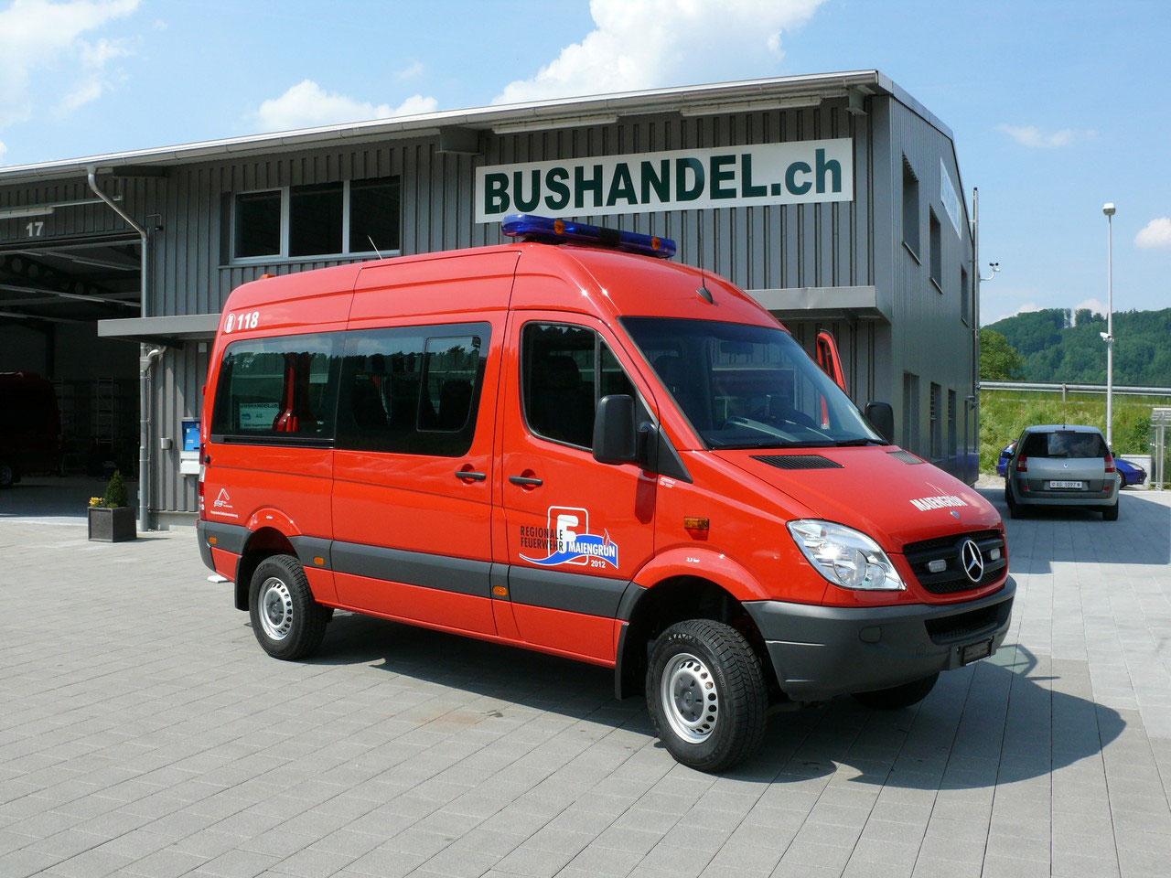 feuerwehrfahrzeug bus mieten bus kaufen bei bushandel. Black Bedroom Furniture Sets. Home Design Ideas