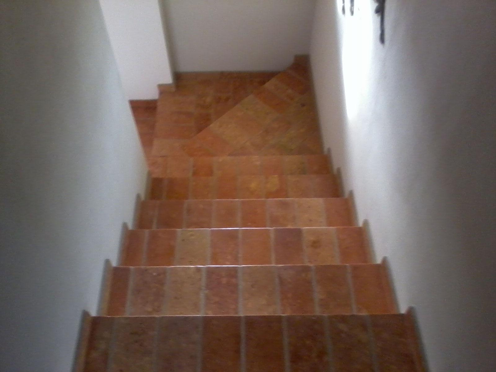 Scale pavimenti cotto antico fornitura posa e for Mosaici pavimenti interni