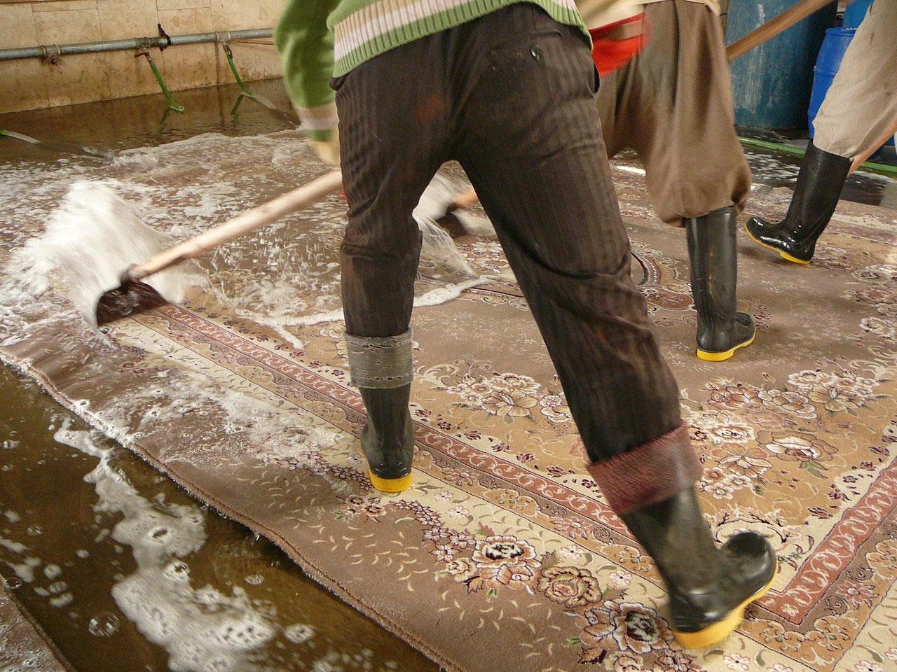 Lavaggio ad acqua pulizia tappeti trieste udine - Pulizia tappeto persiano ...