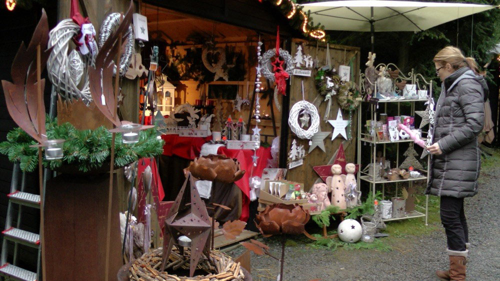 bergischer weihnachtsmarkt im wald kreutzh uschen overath. Black Bedroom Furniture Sets. Home Design Ideas