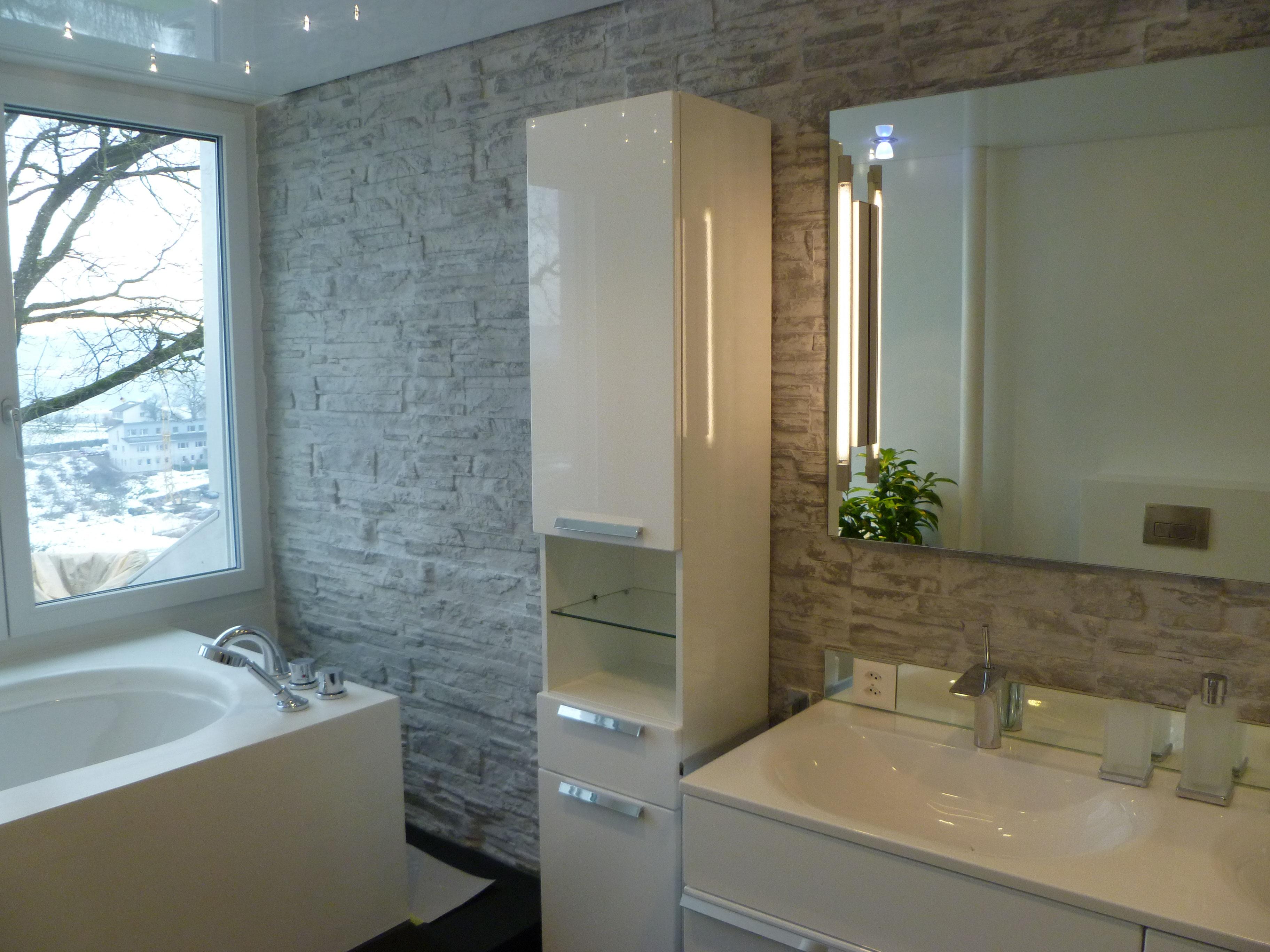 Badezimmer - Renovation - Salzstein Wand - Salzkristalle