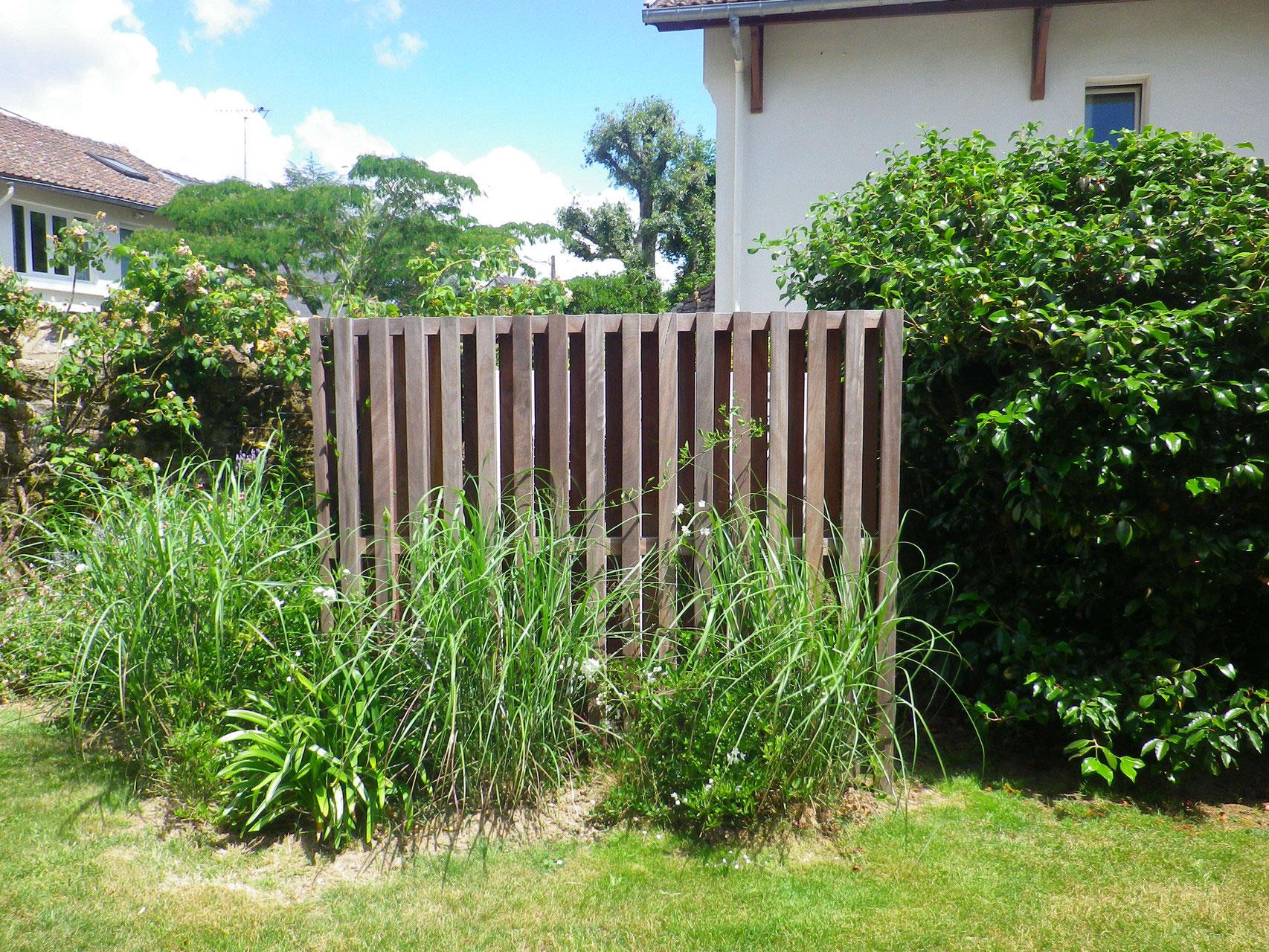 cache pompe chaleur france morbihan baden creation jardin paysagiste. Black Bedroom Furniture Sets. Home Design Ideas