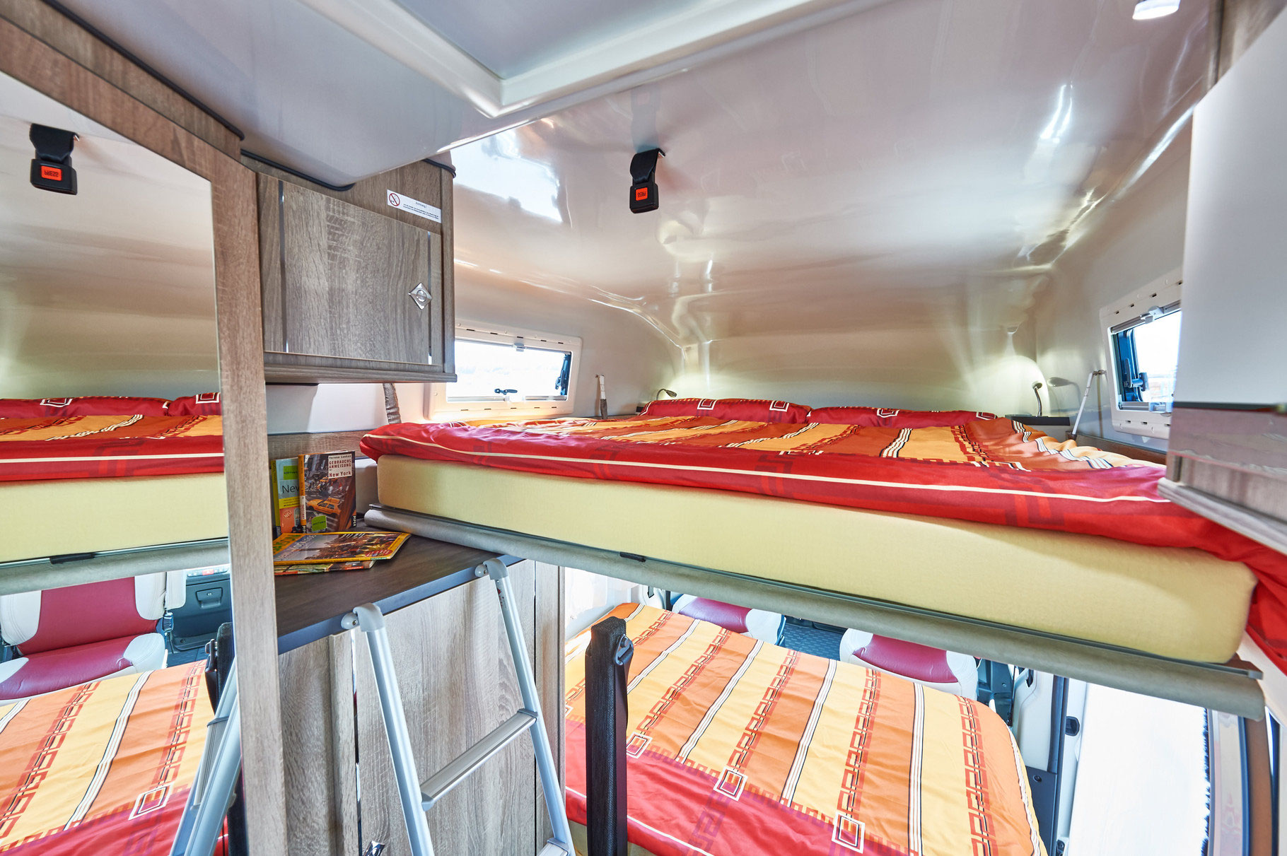 exklusiv und individuell reisemobil center l rrach gmbh. Black Bedroom Furniture Sets. Home Design Ideas