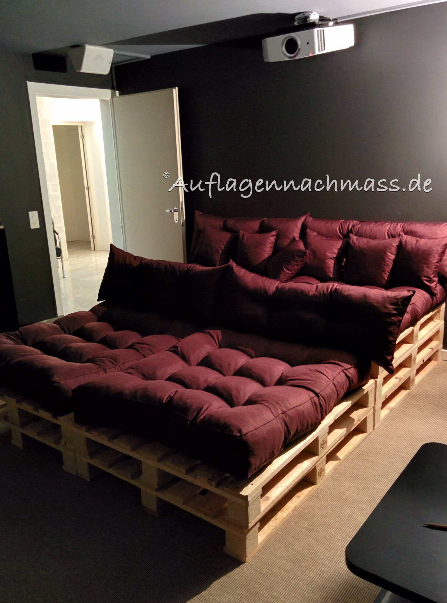 polster nach ma kontakt handmade cushions auflagen nach ma. Black Bedroom Furniture Sets. Home Design Ideas
