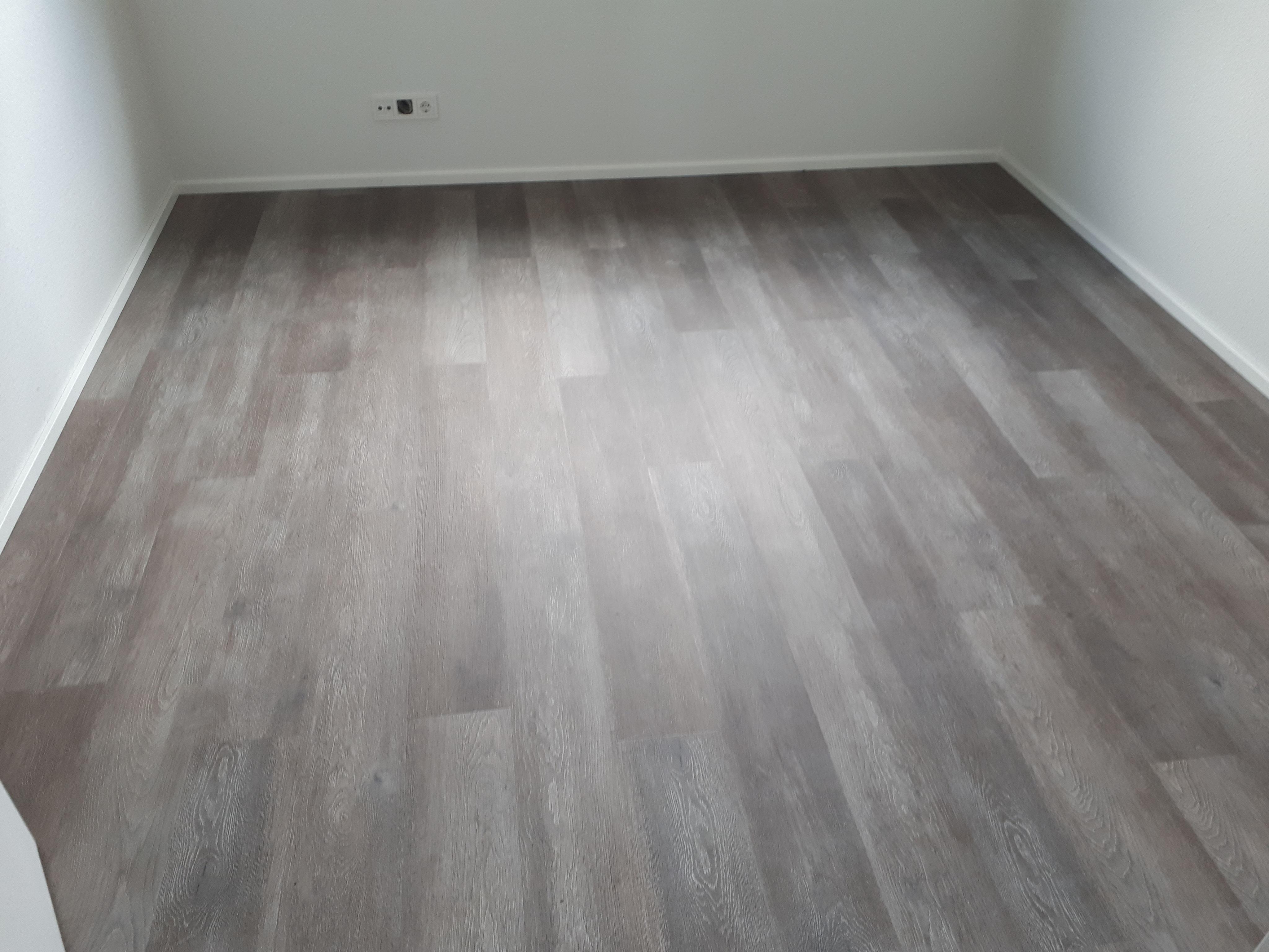 sie brauchen ein neuen strapazierf higen bodenbelag vinylb den walk raumausstattungs webseite. Black Bedroom Furniture Sets. Home Design Ideas