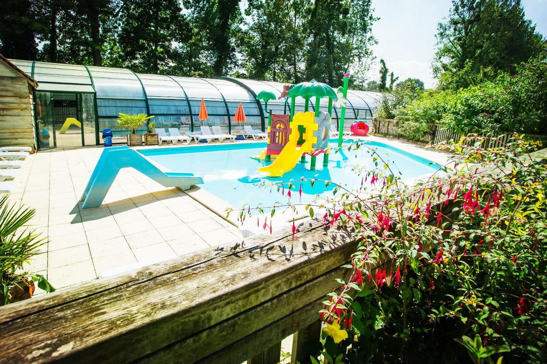 Aires de jeux aquatiques spa camping 4 toiles baie de for Camping baie de somme avec piscine