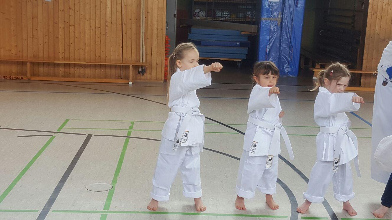 Super Rabatt Auschecken riesige Auswahl an Training für Kinder ab 4 Jahren - Karate Dojo Oki Esslingen ...