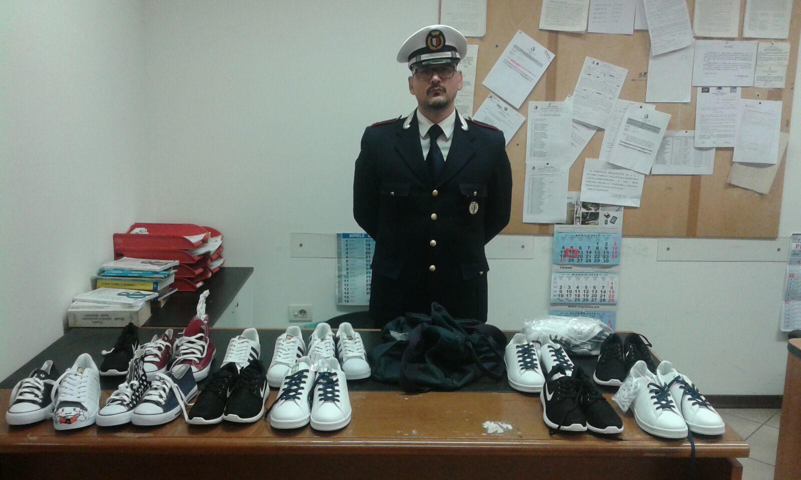 BARI - CONTROLLI E SEQUESTRI DELLA POLIZIA MUNICIPALE PER COMMERCIO ABUSIVO  - Benvenuti su Polizia Locale Bari! c60db502aa5