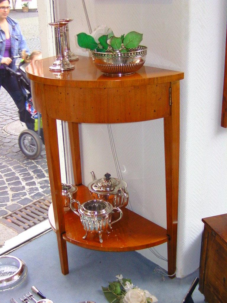 konsole halbrund aus kirschbaum neu italien. Black Bedroom Furniture Sets. Home Design Ideas