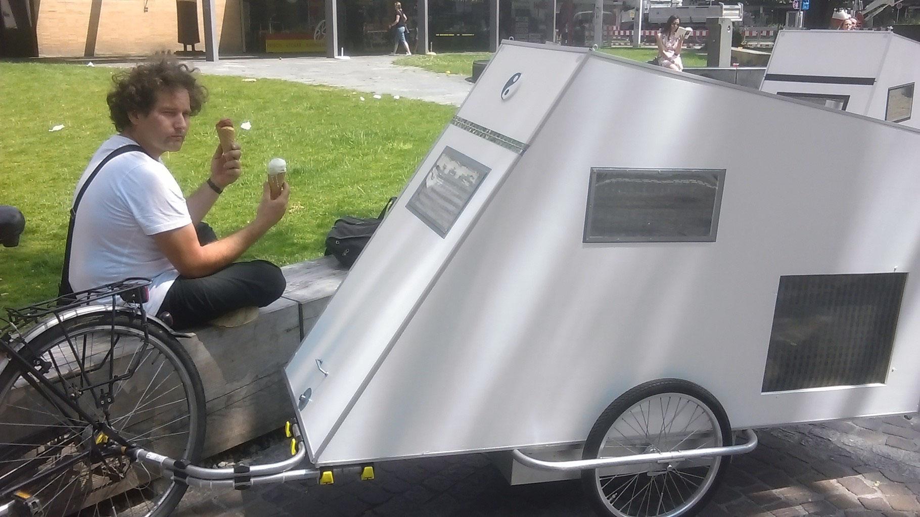 unsere fahrradstadt freiburg wohnwagen f r 39 s fahrrad. Black Bedroom Furniture Sets. Home Design Ideas