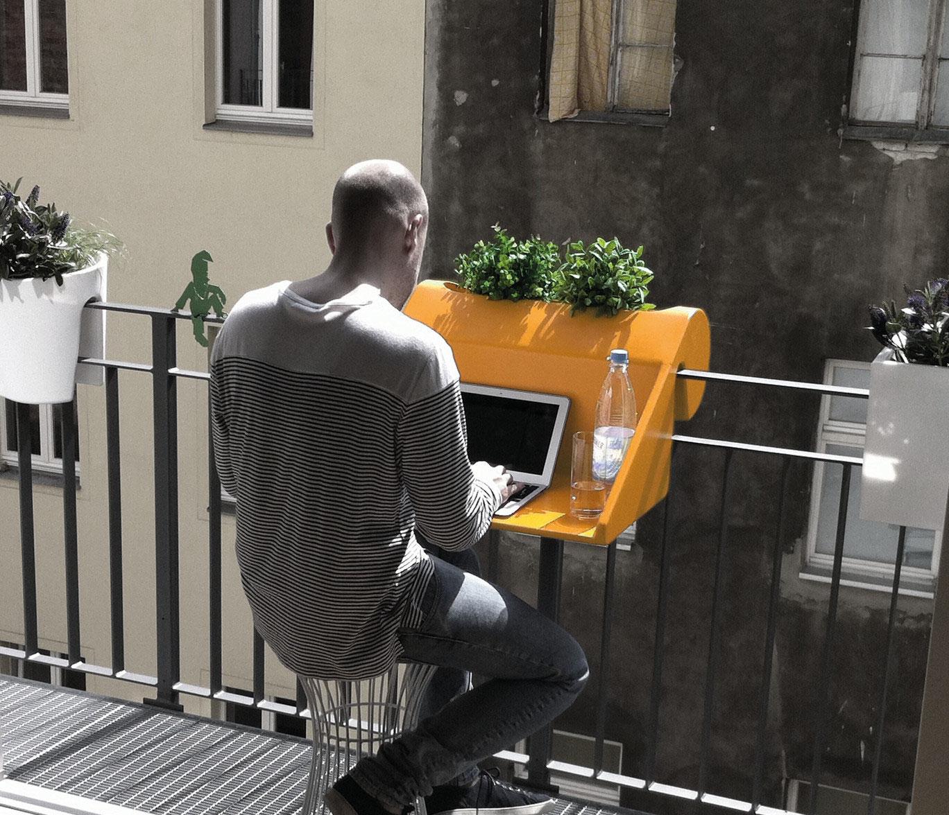 balkonzept: geländertisch für den kleinen balkon - design für den