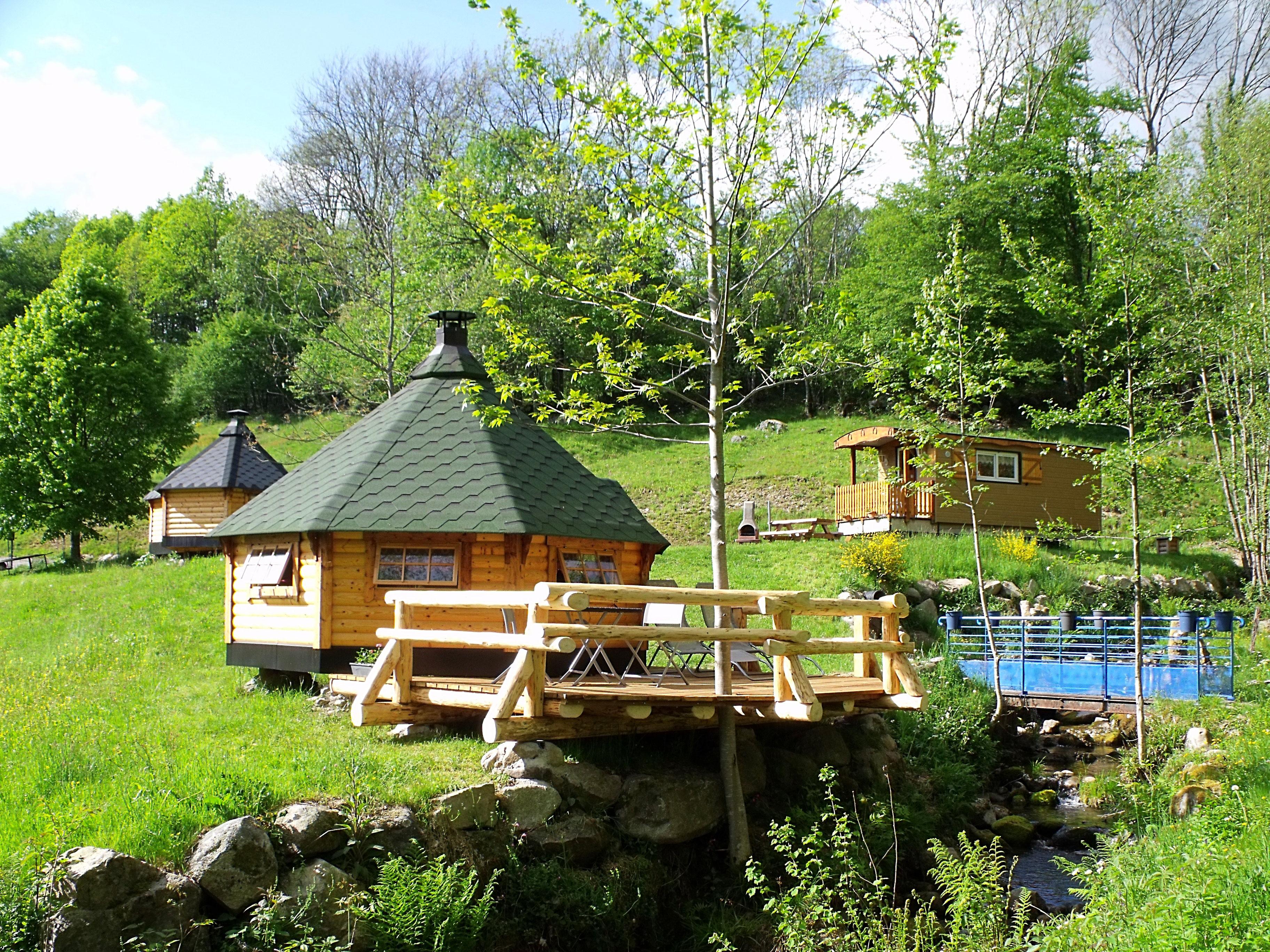 Chambre d 39 h te insolites nuits insolites et romantiques - Chambre d hote cabane dans les arbres ...
