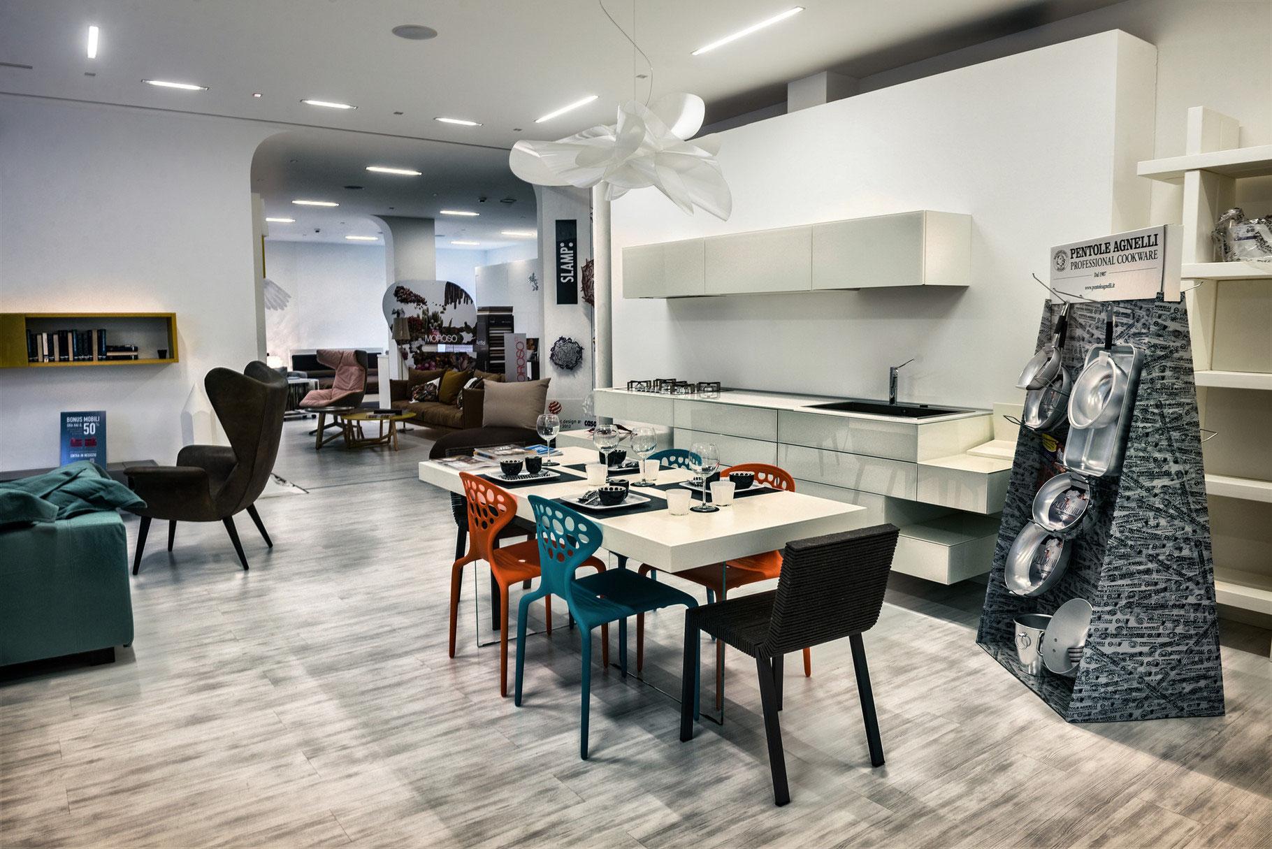 Arredamenti e mobili di design da interni s a s for Arredamento casa design interni