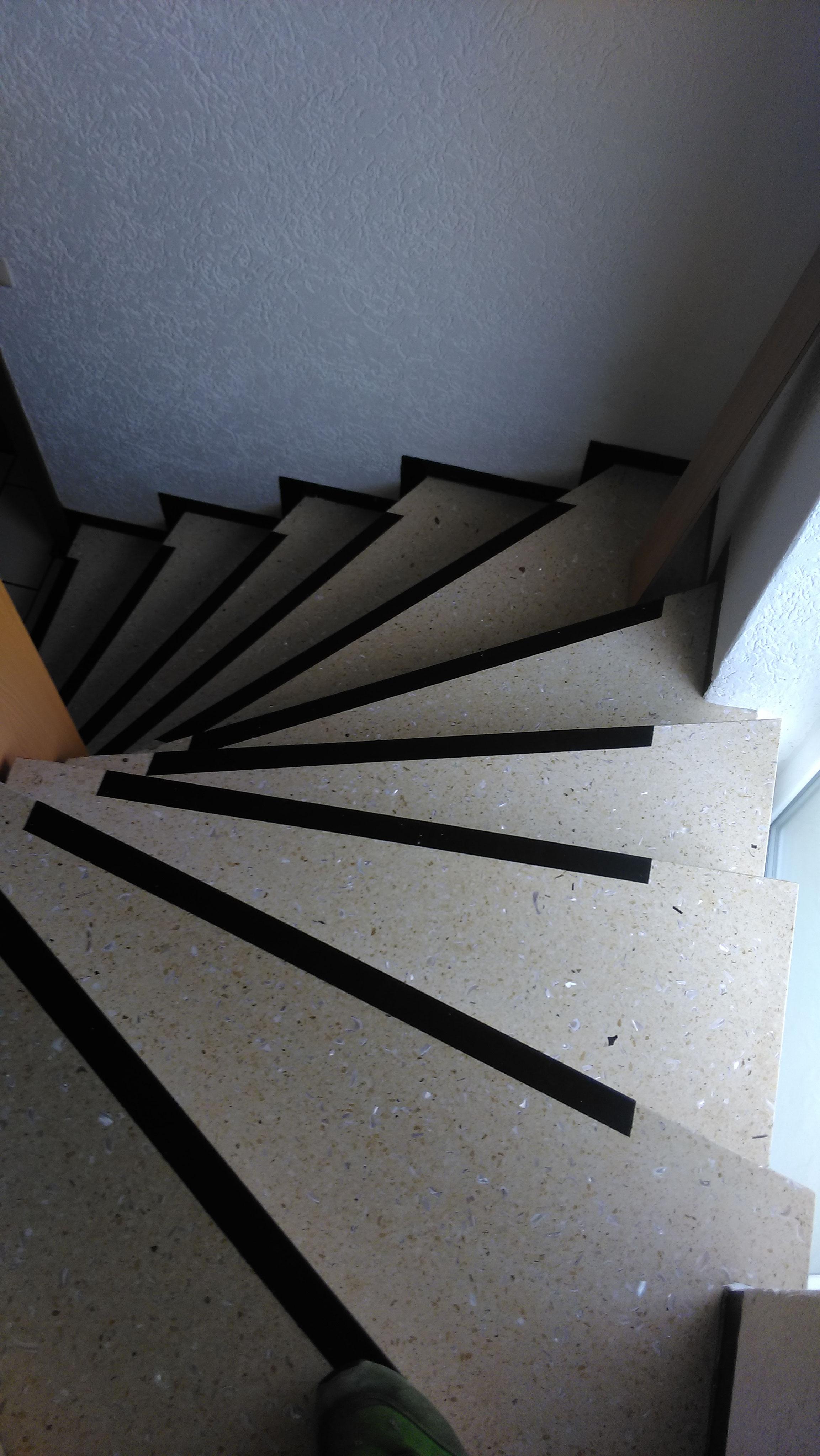 wundersch nen treppe mit vinyl bekleben haus design ideen. Black Bedroom Furniture Sets. Home Design Ideas
