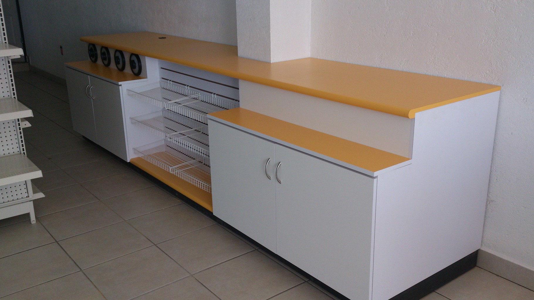 Estanter as met licas estantes de madera mostradores - Mostradores de madera para negocios ...