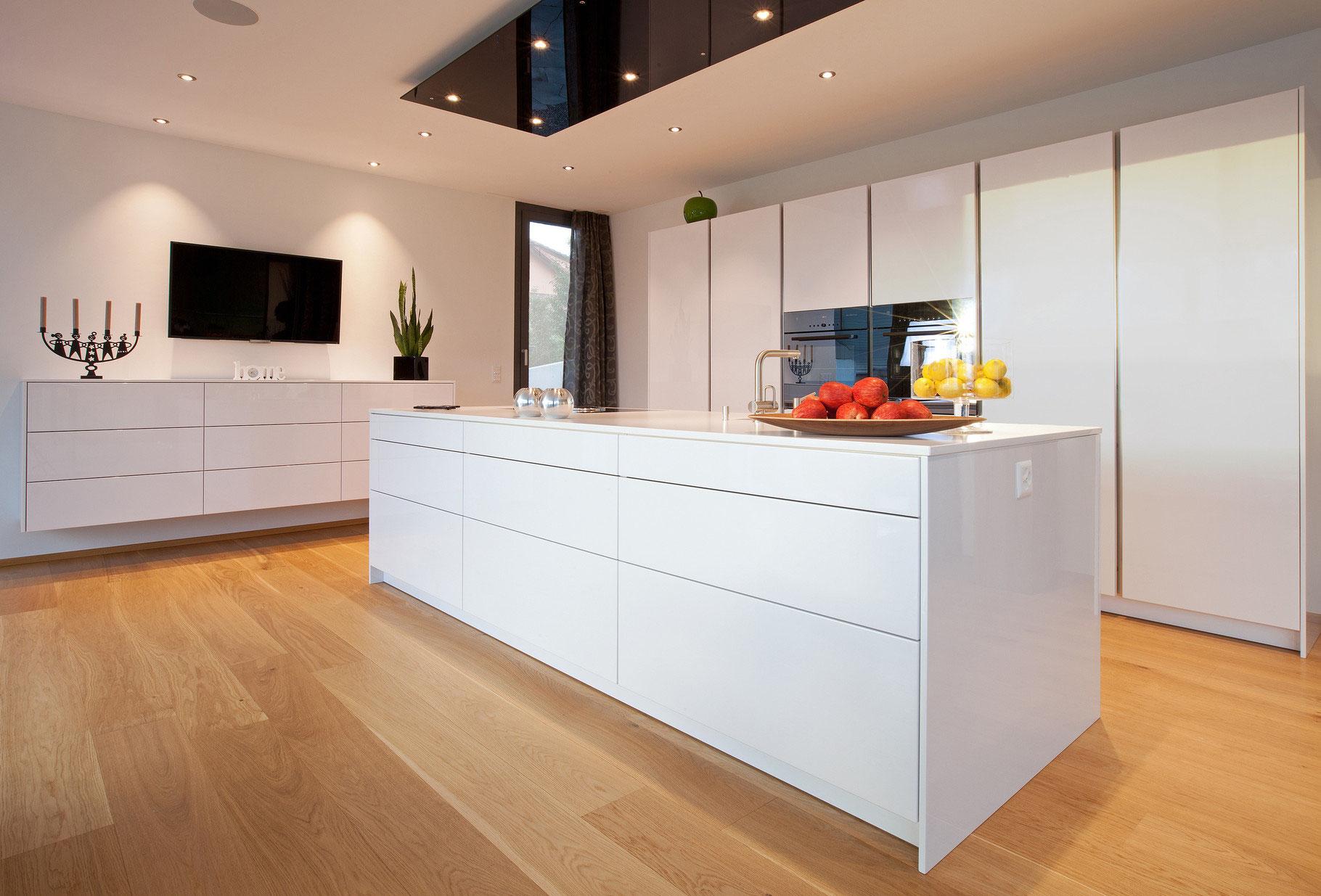 moderne k che k ppeli k chen. Black Bedroom Furniture Sets. Home Design Ideas