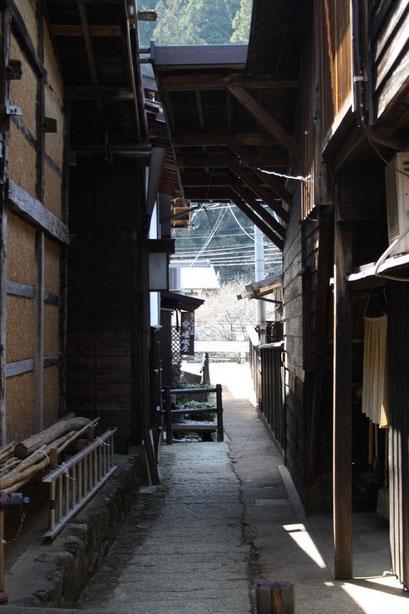 ruelles entre les maisons anciennes