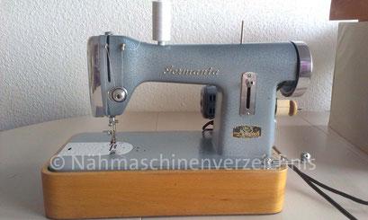 Geradestich-Haushaltsnähmaschine mit Brillengreifer, ca. 1953, Vertrieb durch Pirr & Crome OHG, Bad Lippspringe (Bilder: K. Bugbiel)