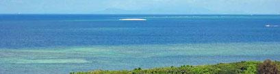 西表島の沖に浮かぶバラス島