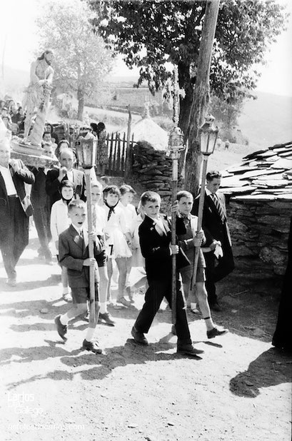 1961-Bendollo-procesion1-asfotosdocarlos.com