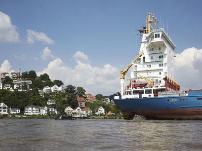 Schiffsverkehr vor dem Sülberg