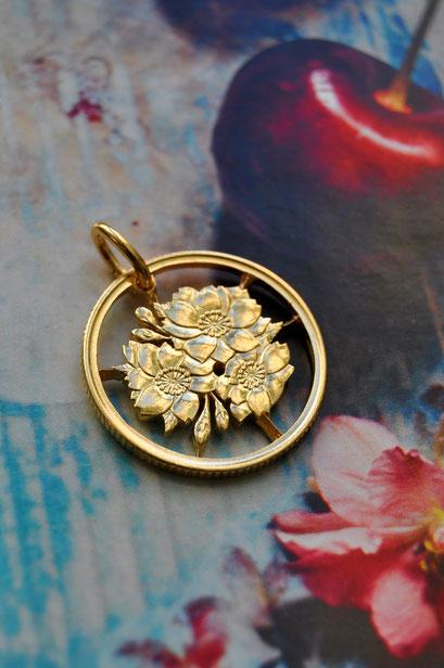 Münzsägewerk Katrin Thull   Japan - Kirschblütenranke goldplattiert