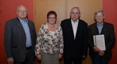 Der CDU treu, Heinz Ströer, Anette von Zoest, Hermann Ter Heide und Albert Lucas (von links). Foto: M. Fickers - Meppener Tagespost