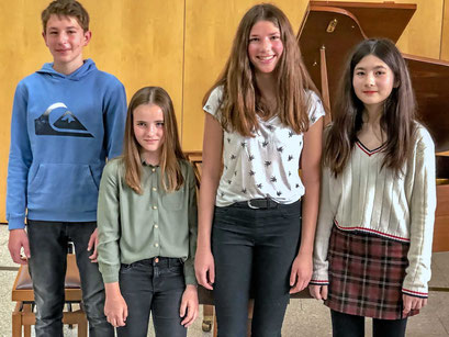 v. l. n. r.: Simon Hanke, Caroline Jost, Mona Dötterl, Lina Böhm.