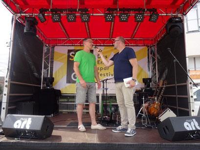 Alex Vorbeck präsentiert das LBV-Projekt Schlaraffenburger