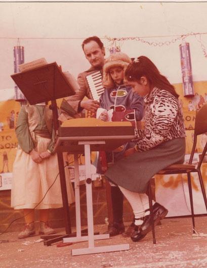 Carnevale 1974: il M° Mugnoz e una giovanissima allieva