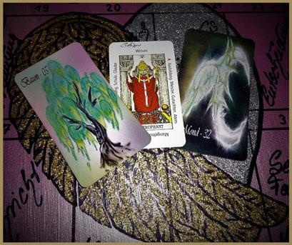 Lenormand Baum und Mond, Tarotkarte der Hohepriester