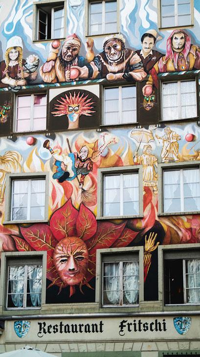 Raus aus dem Alltag & rein ins Städtetrip Vergnügen: Wenn auch Du einmal einen Tapetenwechsel brauchst, kann ich Dir einen Kurzurlaub im schweizerischen Luzern nur empfehlen! Das Touristenziel mit malerischem Altstadt Flair ist perfekt zum Abschalten | Hot Port Life & Style | 30+ Lifestyle Blog