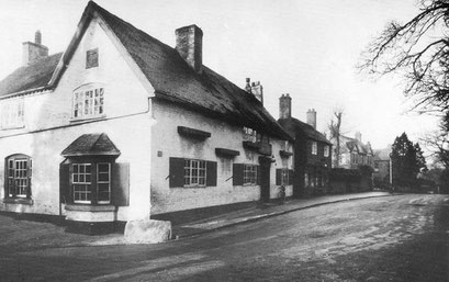 The Great Stone Inn in 1936. Image, now free of copyright, downloaded from the late Peter Gamble's defunct Virtual Brum website.