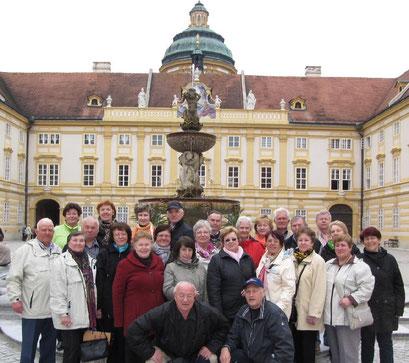 """Die Wolfsburgerinnen und Wolfsburger im Stift """"Melk"""" in Wachau in Österreich"""