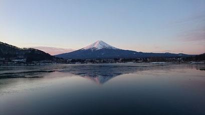 河口湖 新年 富士山