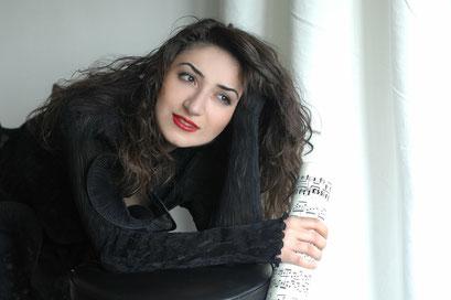 Professioneller Klavierunterricht für Fortgeschrittene in Schwabing bei Pianistin Lika Bibileishvili