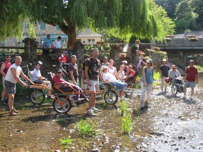 Randonnée avec l'Amicale des Sapeurs - Pompiers de Chailland et des Résidents et personnels du Foyer Thérèse Vohl avec des Bénévoles d'Etincelle53 le 02 juillet 2011
