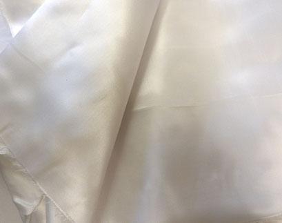 100% Viskose in weiß