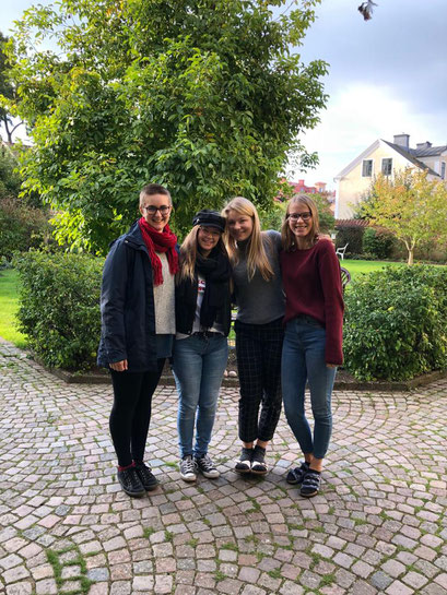 Abschied aus Vadstena: Hannah, Irina, Johanna und Friederike
