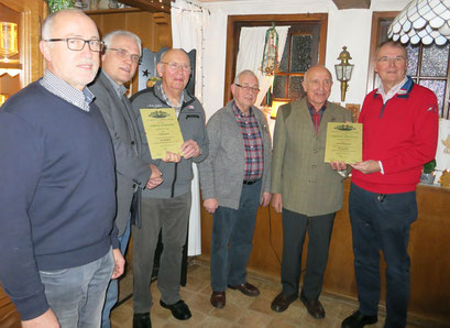 v.l.n.r.   Bernhard Gärtner (Kassierer), Paul Knierbein (Vorsitzender), Carl Hanoff (Ehrenmitglied), Alfons Pöpsel (stv. Kassierer), Ewald Möllenhoff (Ehrenmitglied) und Michael Schleimer (stv. Vorsitzender)
