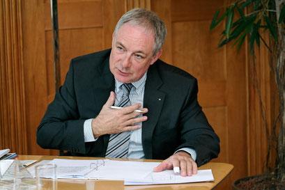 """Ulrich Fricker: """"Die Suva sollte die Möglichkeit haben, Zusatzversicherungen anzubieten."""""""