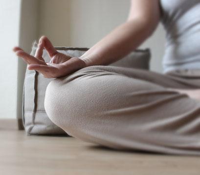 Meditation und Angebote zur Entspannung, Qi Gong Kurse, Achtsamkeit, Klangmassage, Kalngschalenmassage, Burnout Beratung & Coaching in Mönchengladbach-Odenkirchen, Neuss und Kaarst-Voorst