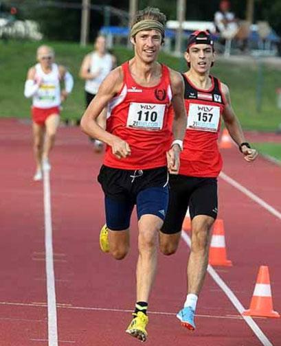 """Edin Harbas (Nr. 157) läuft im Sog vom Martin """"Hamza"""" Mistelbauer zu einer neuen 800m-Bestzeit (Foto: zVg)"""