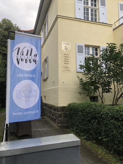 Eingang Villa Becher