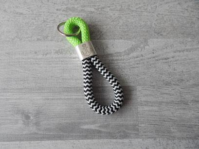 Schlüsselanhänger Segeltau grün / schwarz-weiß
