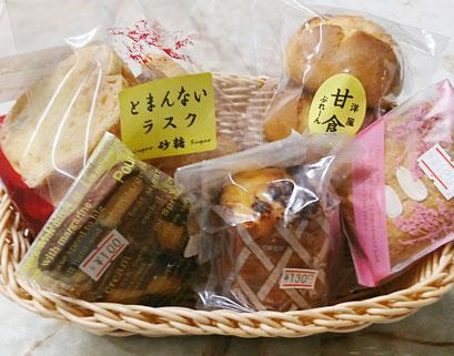 油川のケーキ屋セブールさんの焼き菓子も販売 撮影2018.3