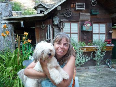 ... kuscheln mit Hunde-Omi Marion ... 1J7Mo